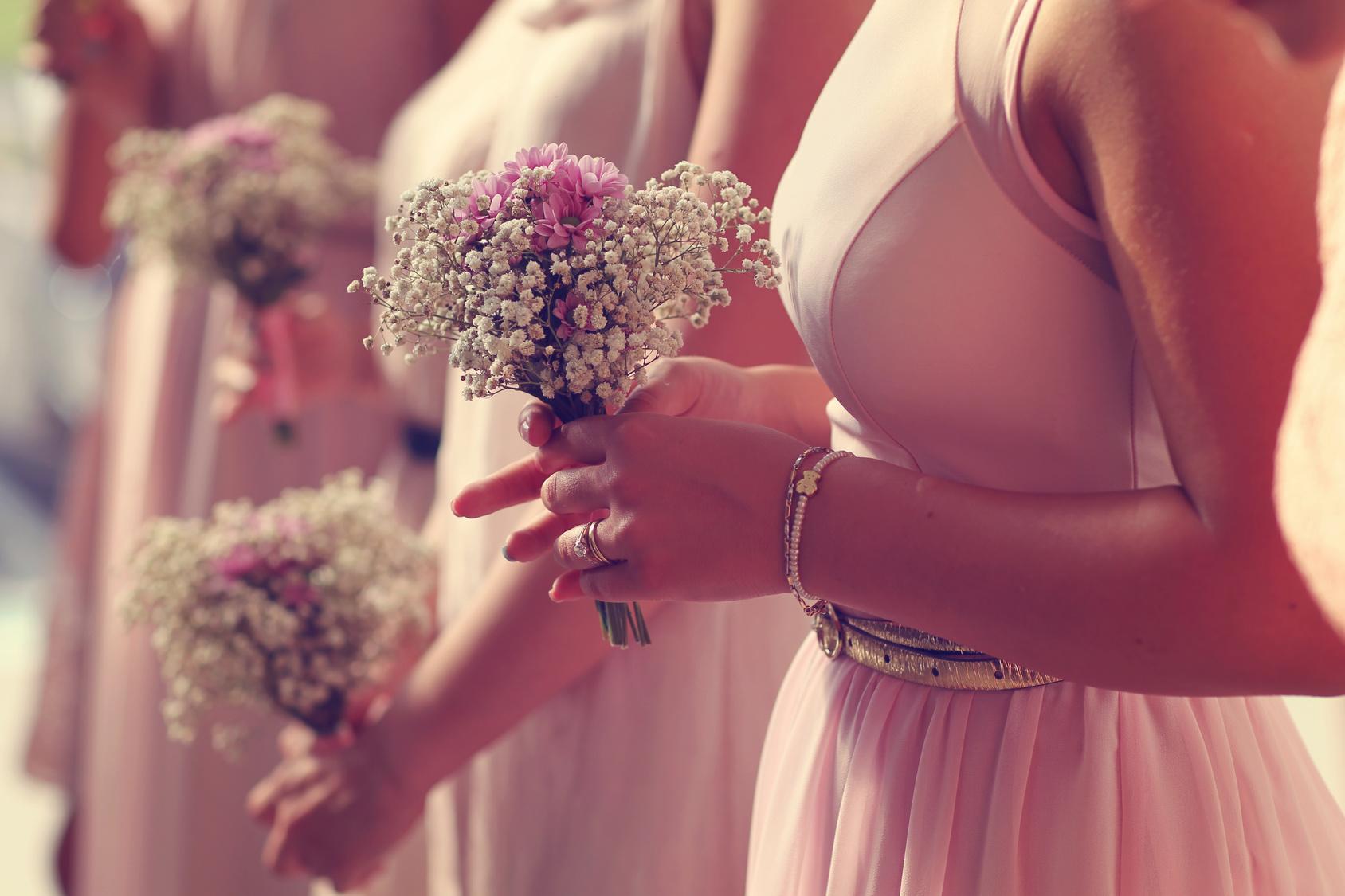 Wedding-Ceremony-Gypsophila-Bouquet
